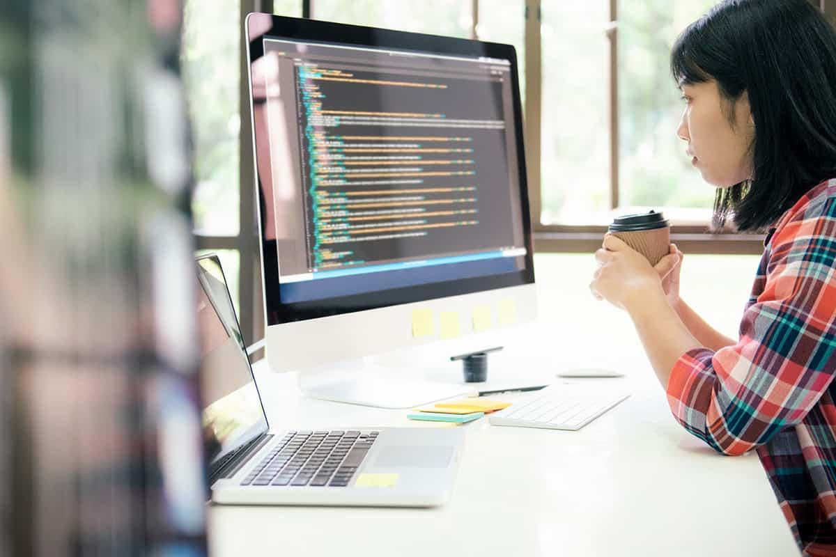 dynamic and static websites programmer ux ui designer working